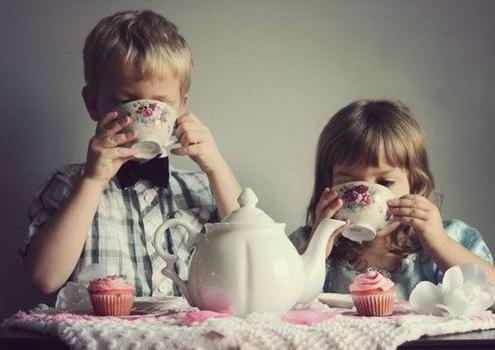 enfants et thé